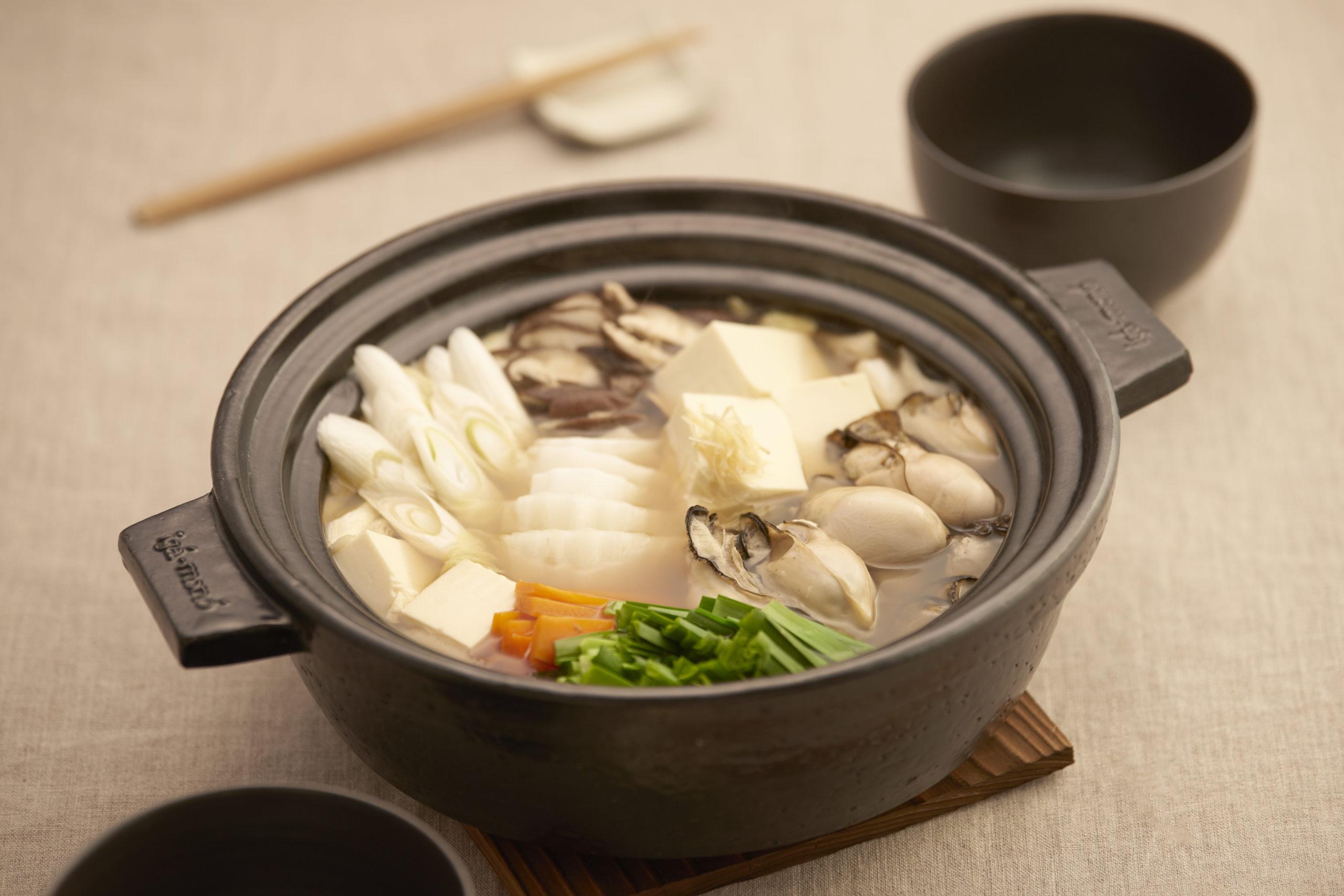 昆布だしの牡蠣ニラ鍋